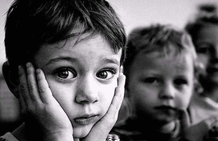 Парламент Украины одобрил закон о наставниках для детей-сирот