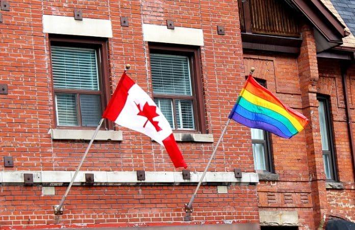Англиканская церковь Канады разрешила однополые