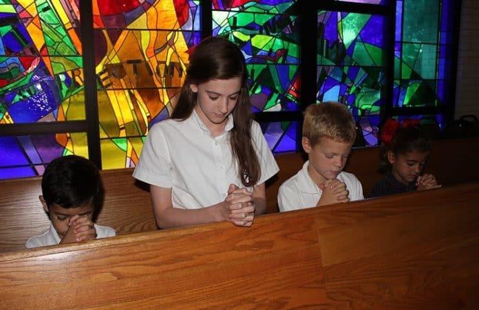 ООН: участие детей в богослужениях нарушает права человека