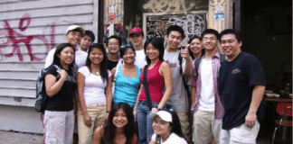 Молодеющее Евангелие: большинству китайских христиан от 19 до 39 лет