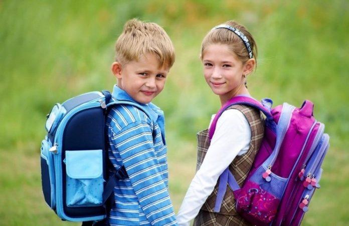 Школьный портфель: помоги детям подготовиться к школе