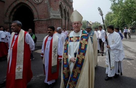 Англиканские священники-геи обратились в Синод с требованием легализовать однополые браки