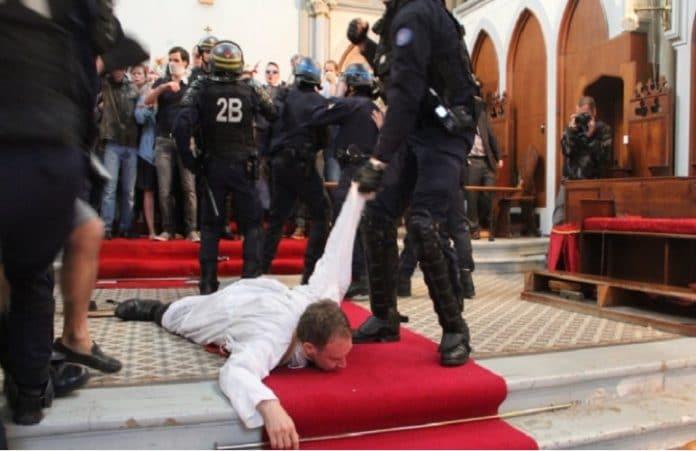 Христиане выступили против сноса церкви в Париже