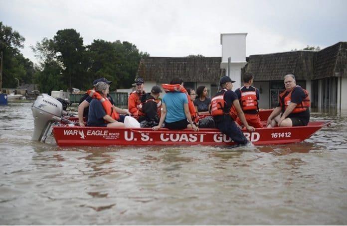 Церкви Луизианы отменили служения, чтобы помочь пострадавшим