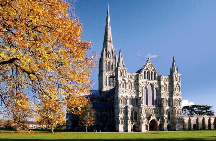 Власти Британии выделят миллионы на безопасность в церквях