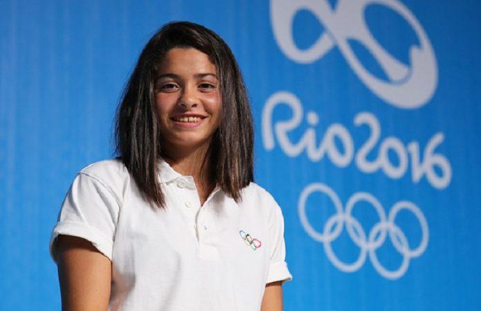 Член команды олимпийцев-беженцев спасла людей в море