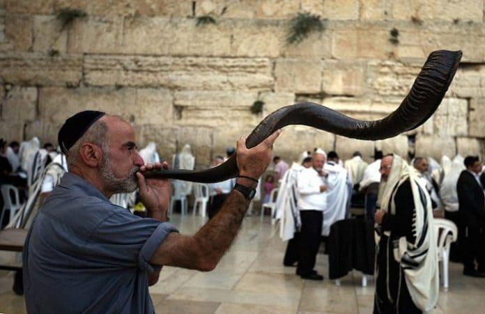 Иудеи празднуют Новый год