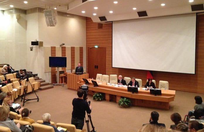 Пастор Андрей Гусев выступил в Госдуме с докладом о помощи пожилым людям