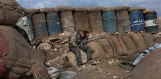 Курды воюют за родные земли – с оружием в руках и на коленях перед Богом