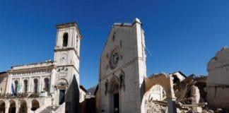 Все церкви в итальянской Норчии уничтожены землетрясением 30 октября