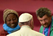 Папа Франциск извинился перед бедняками