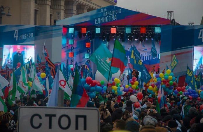 Евангельские церкви приняли участие в праздничном шествии в День народного единства