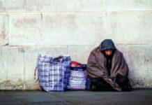 """В """"Ангаре спасения"""" открыли прием зимних вещей для бездомных"""