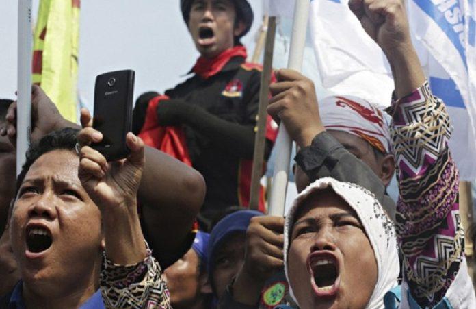Индонезия: арестован организатор выступлений против губернатора-христианина