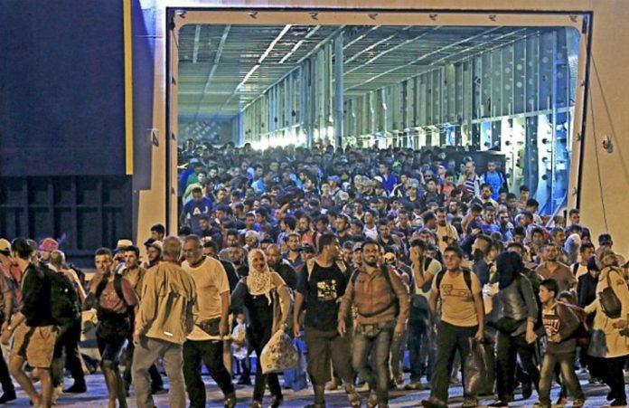 Мусульманин-иммигрант привел более 600 иранцев ко Христу