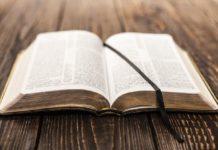 Библию переведут на язык жестов