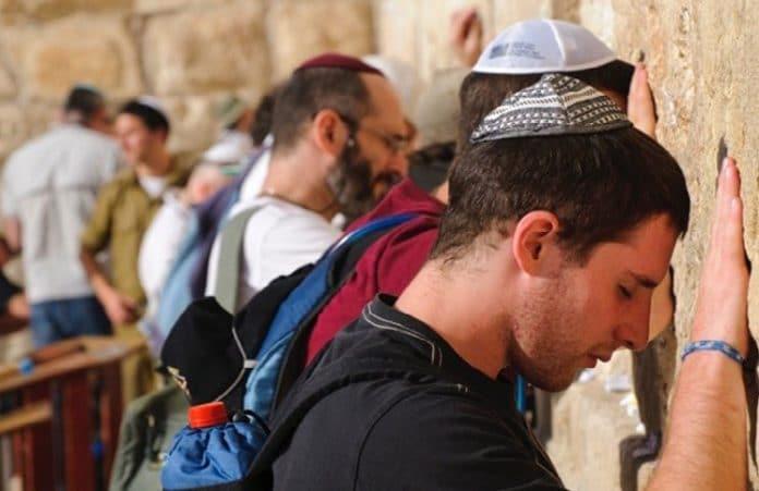 Праздник Хануки и молитва за Израиль