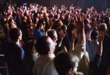 Палаточное пробуждение ежедневно собирает тысячи жаждущих Бога