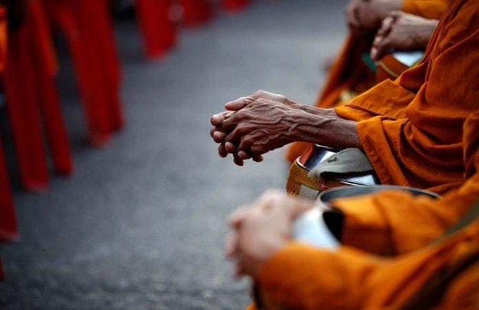 На Шри-Ланке группа буддистов уничтожила протестантскую церковь