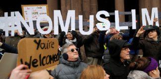 """Большинство европейцев высказались за введение """"запрета на мусульман"""""""