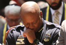 Бразилия: полицейские и пасторы вместе молились против насилия