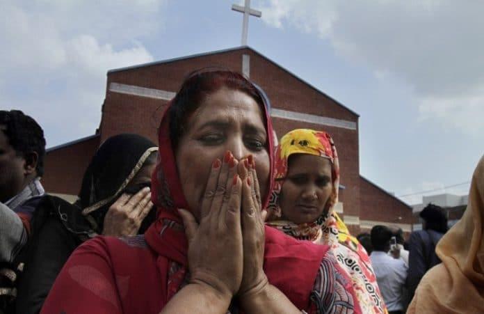 Суд Пакистана оправдает 115 подозреваемых в поджогах домов христиан