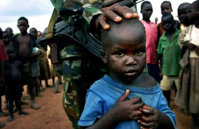 Христианский пастор намерен остановить жертвоприношение детей в Уганде