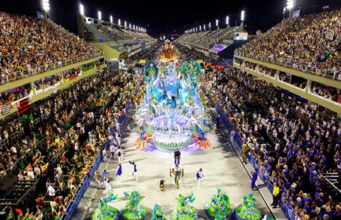 Рост евангельских церквей угрожает проведению карнавала в Рио