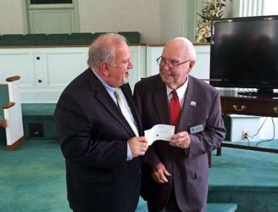 86-летний Джонни пожертвовал детскому дому все 30-летние сбережения