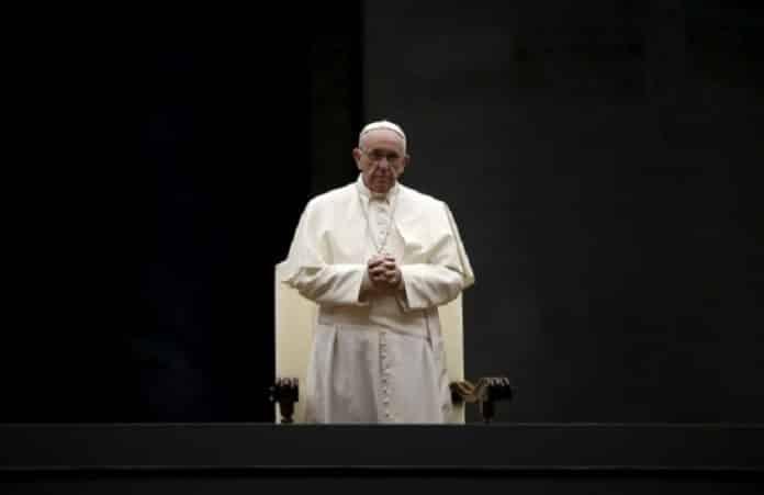 Папа Франциск призвал защитить мирных жителей Ирака