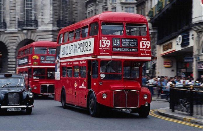 Автобусы Лондона распространяют слова Иисуса