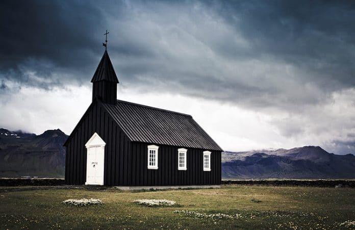 Особенности благовестия в Исландии – самой безбожной стране Европы