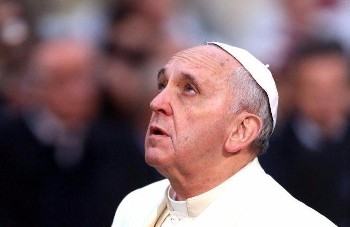 Церкви, которая не рискует, не доверяют: Папа Римский