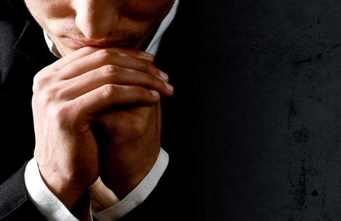 Адвокаты получили право молиться перед судебными заседаниями