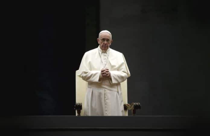 «Бог не может быть Богом без человека»: спорное заявление Папы Франциска