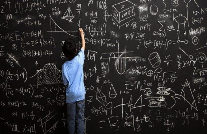 Рекордно высокий IQ: мальчик обогнал Эйнштейна и Хокинга