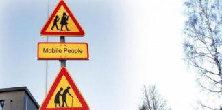 Инновации для пожилых: приложение на телефон продлевает работу светофора