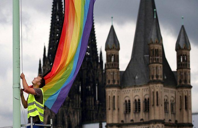 Парламент Германии проголосовал за легализацию гей-