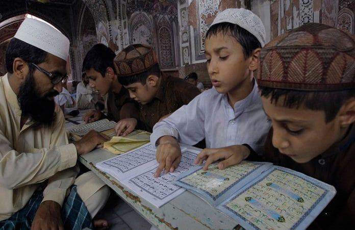 Пакистан: в кощунстве обвинили 16-летнего христианского подростка
