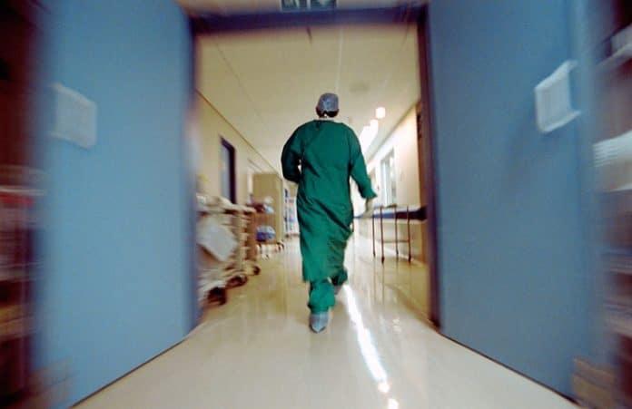Проповедь 9-летней девочки у клиники абортов увидело более 1 млн человек