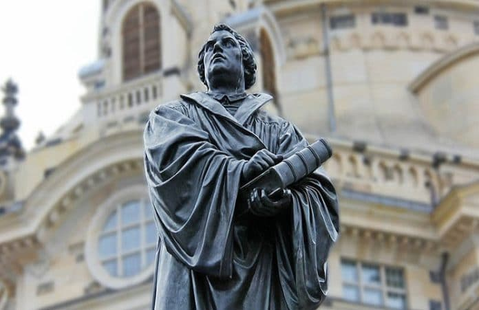 50% протестантов верят, что для спасения нужны добрые дела и вера