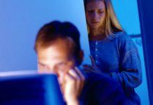 Как «сетевая измена» разрушает ваш брак