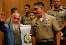 На Филиппинах освобожден похищенный джихадистами священник