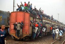 Кения: поезд в Найроби превратился в движущуюся церковь