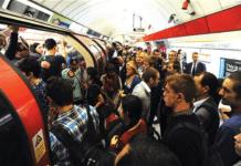 """Лондон: """"грехи гомосексуализма"""" заставили людей выпрыгивать из поезда"""