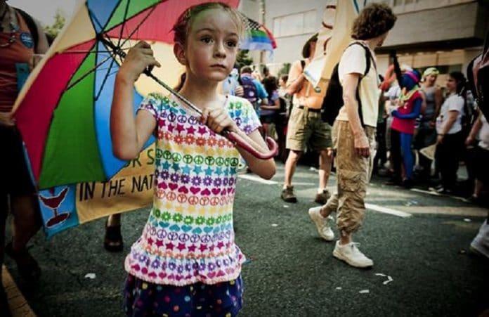В Канаде христианам отказали в усыновлении из-за их взгляда на гомосексуализм