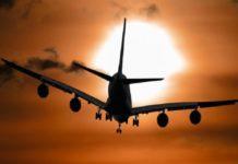 Чудо: самолёт врезался в многоквартирный дом, но никто не пострадал