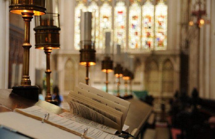 Церковь Англии предложила использовать аудиопомощник для молитв