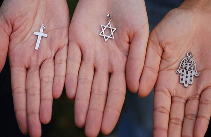 Еще в двух странах Азии власти хотят запретить переход в другие религии