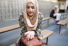 Берлинский суд запретил учительнице ходить в школу в хиджабе